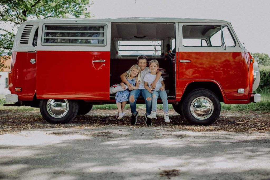 kindergarten-und-familien-fotos-im-vw-bulli-muenchen-bad-toelz-bayern-melpomeni-photography