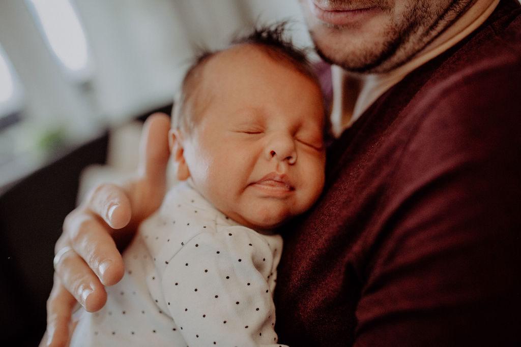 baby-fotoshooting-newborn-homeshooting-muenchen-bad-toelz-garmisch-partenkrichen-melpomeni-photography
